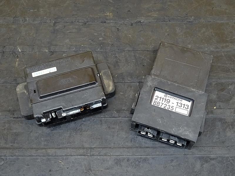 【200408】ゼファー400(ZR400C-040)■ CDI イグナイター ジャンクションボックス ヒューズボックス | 中古バイクパーツ通販・買取 ジャンクヤード鳥取 JunkYard