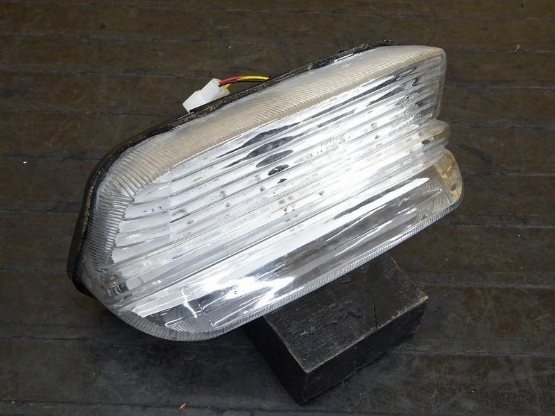 【200526】XJR400(RH02J-003)◇ テールランプ ブレーキランプ LEDテール ナンバー灯 | 中古バイクパーツ通販・買取 ジャンクヤード鳥取 JunkYard