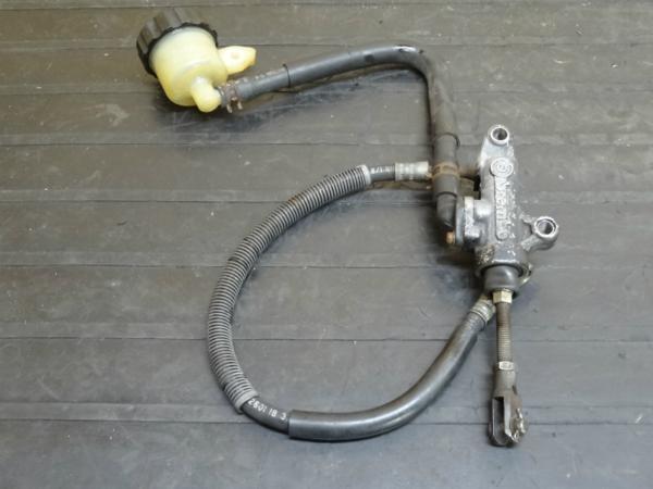 【141201】FZR250R(3LN)◆リアブレーキマスター ブレンボ | 中古バイクパーツ通販・買取 ジャンクヤード鳥取 JunkYard