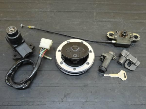 【141106】ZRX400(ZR400E)◎キーセット メインスイッチ キャップ | 中古バイクパーツ通販・買取 ジャンクヤード鳥取 JunkYard