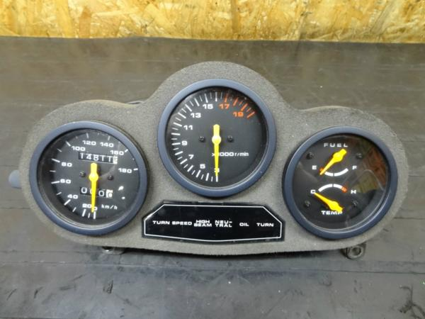 【150402】GSX-R250(GJ72A)◎メーターユニット スピードタコ難有 | 中古バイクパーツ通販・買取 ジャンクヤード鳥取 JunkYard