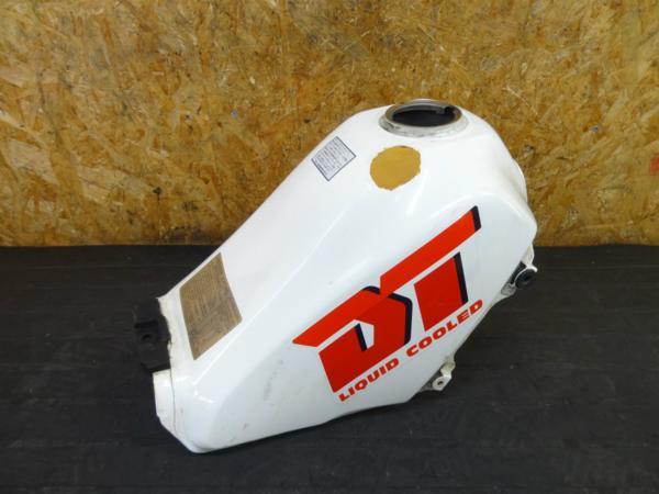 【160330】DT200R(37F)◇ガソリンタンク 燃料 フューエル 難有 | 中古バイクパーツ通販・買取 ジャンクヤード鳥取 JunkYard