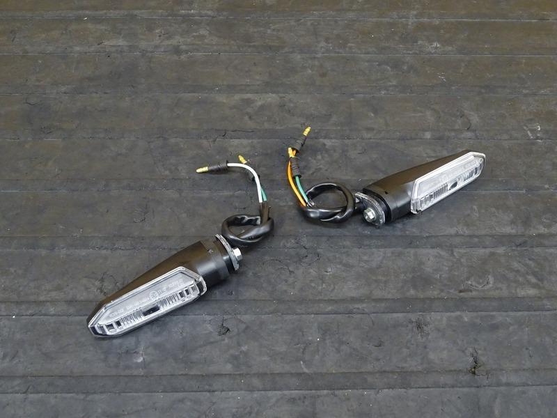 【200720】CBR250RR(MC51-1000)■ 純正LEDリアウインカー左右セット ウィンカー | 中古バイクパーツ通販・買取 ジャンクヤード鳥取 JunkYard
