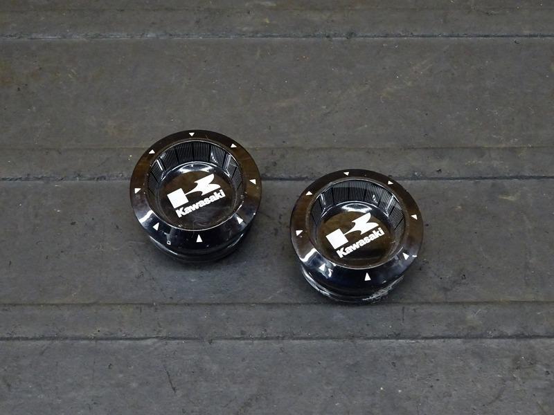 【210626】Ninja250(EX250L)■ フレームホールカバー フレームキャップ 【NINJA ニンジャ | 中古バイクパーツ通販・買取 ジャンクヤード鳥取 JunkYard
