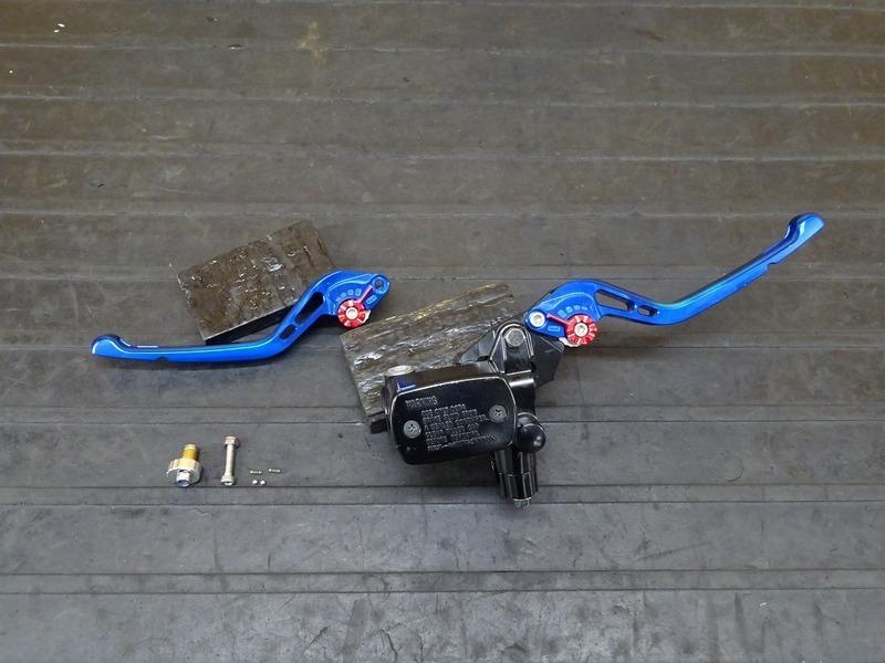 【210802】YZF-R3 ABS(RH13J-001)■ 純正フロントブレーキマスターシリンダー Φ11 社外レバー左右セット UK U-KANAYA ※検:YZF-R25 MT25 | 中古バイクパーツ通販・買取 ジャンクヤード鳥取 JunkYard